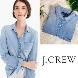 J. CREW MERCANTILE Chambray perfect fit button up